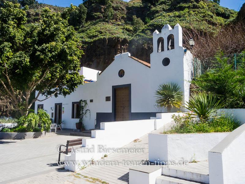 Wer zum Tamada wandern möchte und im Agaete-Tal startet, passiert die Kirche am Refugio El Hornillo.