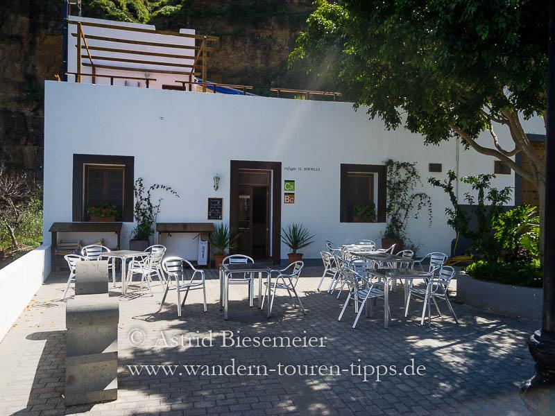 Wer zum Tamada wandern möchte und im Agaete-Tal startet, passiert das Refugio El Hornillo