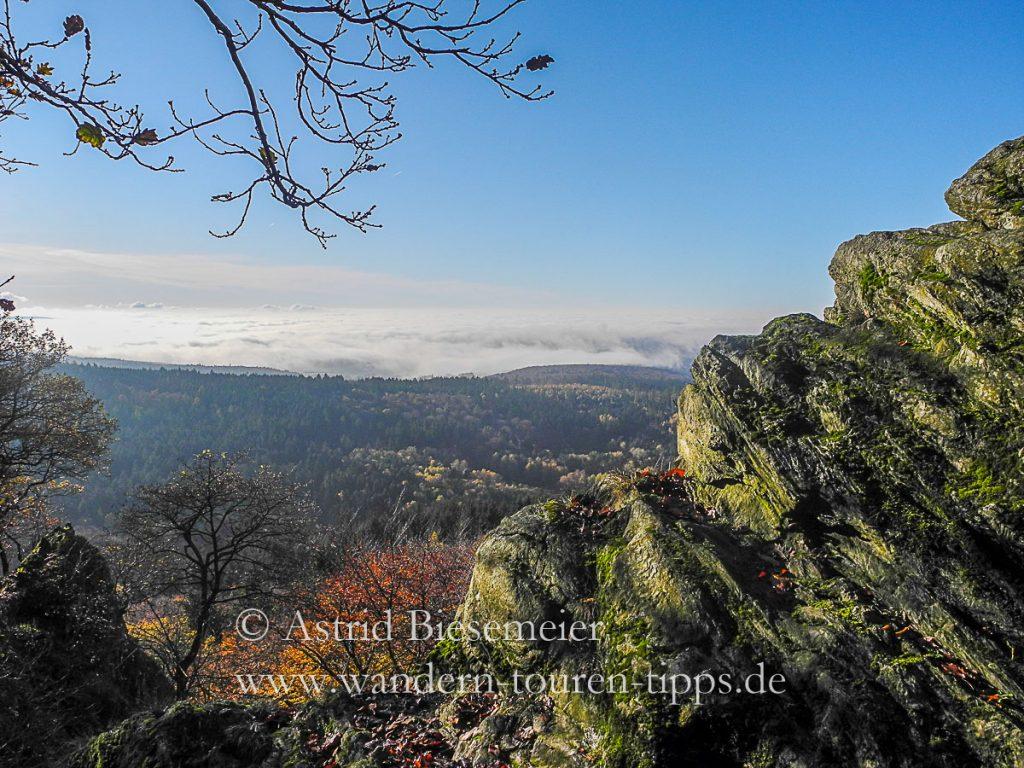Im Taunus wandern: Auf dem Zacken-Beilsteinsteig-Steig zeigt der Taunus sein Gebirge