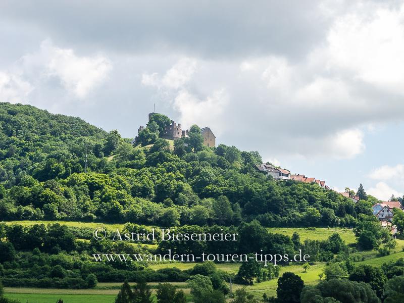Drei-Burgen-Weg wandern: Ruine Burg Schwarzenfels