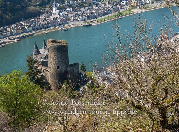Rheinsteig wandern: die Königsetappe zur Loreley führt vorbei am Dreiburgenblick